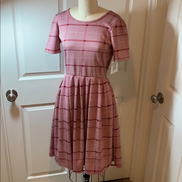 LuLaRoe Dresses & Skirts - LuLaRoe Amelia Dress Plaid Woman's Sz Small NWT